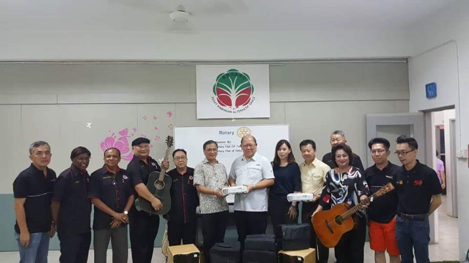 Turnover of Musical Instruments and Multimedia Equipment